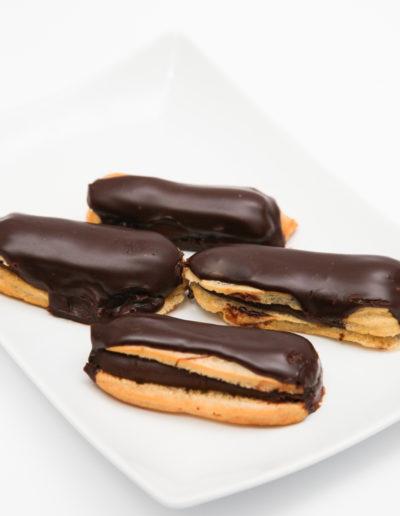 Mini eclere cu ciocolata